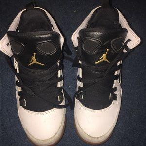 4y big boy Jordan shoes